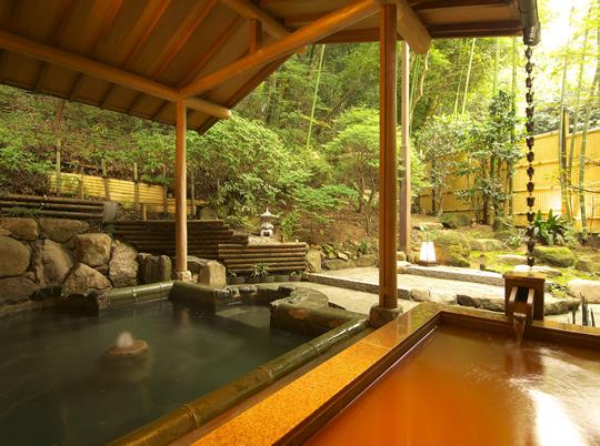 【静岡】大切な人と非日常の贅沢。離れのある温泉 …