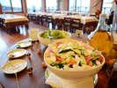 秋ヒ゛ュッフェ:工夫を凝らした肉料理に和風料理!清里高原の野菜、様々取り揃えています。