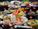 当館自慢の新鮮な海の幸!【夕食料理(冬)】鮑の踊り焼プランの一例(約13品~14品)