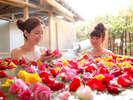 【女性露天風呂】バラの花を浮かべた華風呂☆(夜のみ)