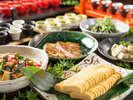 安心・安全をテーマに国産食材にこだわった和食・洋食料理をブッフェスタイルでご用意しております。