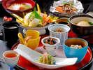 ■お料理一例■富山湾直送の旬の味覚を当館板前が腕によりをかけて調理。どうぞ心ゆくまでご堪能ください。