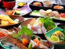 """【太刀魚堪能プラン】 鮮度が落ちやすいため""""幻の逸品""""とされ、数種類のお料理で味わう。"""