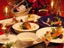 聖夜を彩るクリスマスディナー(イメージ)