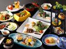 JAL国内線ファーストクラスの機内食を、内田料理長が監修。長崎県産の食材をふんだんに使用した会席料理