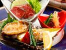 「夏の日本海創作会席」【強  肴】 活鮑ステーキ肝ソース 焼きフグ 鳥取和牛「オレイン55」