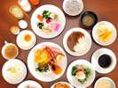 朝食ブッフェは、和食も洋食も豊富に取り揃えております。