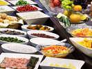 ご朝食には、富山の食材もご用意。焼きたての干物も人気♪