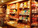 飛騨地区のあらゆるお土産が一同に揃った「飛騨物産館」でお土産は決まり!