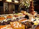 【グリーンドア】約70種類の料理が食べ放題!