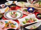 ランクアップした和風コース料理を大正ロマン風のお食事処で