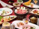 ランクアップした当館自慢の和会席(一例)ゆっくり贅沢にお部屋食を召し上がりたい方へ!。