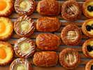パン職人が毎日焼き上げる様々なパンやデニッシュ