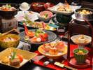 秋のお料理~山形名物芋煮鍋~当館の芋煮鍋は里芋、牛肉、しょうゆ味のスタイルです。