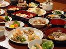 夕食バイキングお料理の一例 お料理からも会津を体感しちゃいましょう。