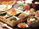 【朝食】体にやさしい料理をご用意いたします。手作り豆富は京都直送の豆乳で。