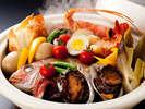 真鯛や伊勢海老・鮑が入った「特選宝楽焼」はボリュームも満点≪料理イメージ≫