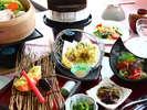 八ヶ岳高原の春の味覚たっぷり。地元の食材の味を生かした和食会席をお楽しみください!