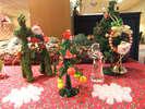 【館内】12月になると館内のディスプレイも至る所がクリスマスカラーに♪