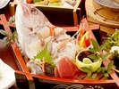小鯛の姿造りは、お刺身としても、鯛しゃぶとしてもお召し上がりいただけます。≪美味宝石箱≫