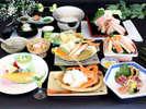 4月~7月◇蟹の揚げ物や鍋物、焼物に雑炊などカニの味覚を満喫!「和風 蟹会席」