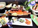 「蟹会席」蟹の握り寿司に蟹寄せ鍋、蟹の天ぷら。蟹酢はズワイ蟹姿でご用意致します。