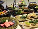 【料理茶屋「北乃寮」】料理長自らが採りに行く、朝採りの山菜料理も♪(一例)