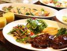 【レストラン「バーデンバーデン」】大皿料理をご家族でシェア♪とろける飛騨牛のグリエとハンバーグ付♪