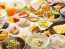 【朝食イメージ】旅行ならではの楽しみの一つ御朝食は種類豊富な朝食バイキングをご用意♪