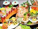 【皿鉢料理4名盛イメージ】2名様からお楽しみいただける華やかな皿鉢(さわち)料理