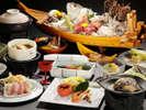 【夕食】お1人様毎に伊勢エビとアワビ付「藤の花会席」 季節の一例
