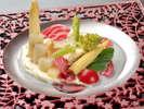 春のプレミアム会席 春野菜の冷製チーズフォンデュ