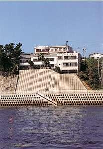 観光旅館かちま荘の外観