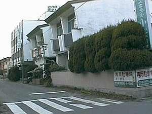 ビジネスホテル小桜館の外観