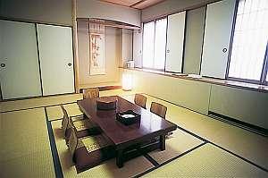 ネット限定!【訳あり】お布団セルフ敷きです。素泊りプラン(和室)お部屋でWi−Fi無料ご利用OK!