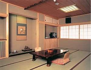客室は落ち着きのある和室