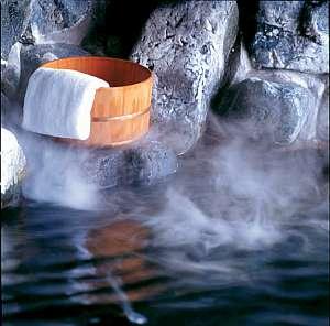 【温泉】湯冷めしにくく美肌の湯として知られています。