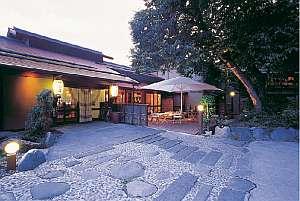 中棚荘の外観