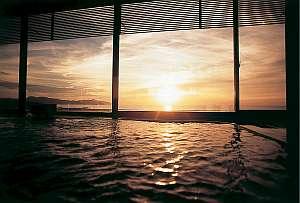 最上階の展望風呂から夕日を眺めながらごユックリと・・