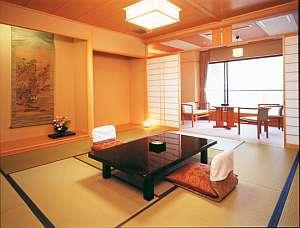 日本海一望の「大観」露天風呂付客室