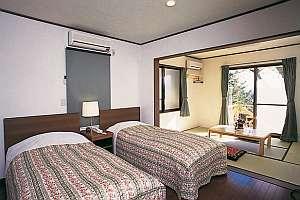 富士を望む贅沢な和洋室