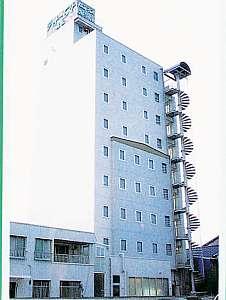 ビジネスホテルシャトーエスト高松の外観