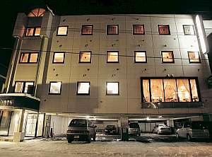 ビジネス プラトンホテルの外観