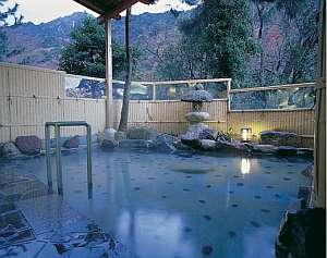 三重の紅葉スポット近くの温泉宿・紅葉露天のある宿県 旅館寿亭