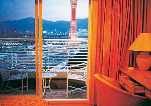 北側客室では市街地の夜景やポートタワーを一望