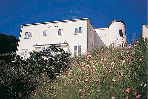 ホテル ガルニ・クルーズの外観