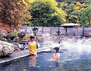 北海道の紅葉スポット近くの温泉宿・紅葉露天のある宿 定山渓グランドホテル