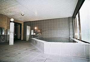 天然温泉の広~いお風呂