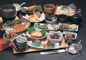 秩父の地場の食材を丁寧に支度した夕食一例