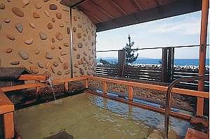 日本海を眺めれる露天風呂